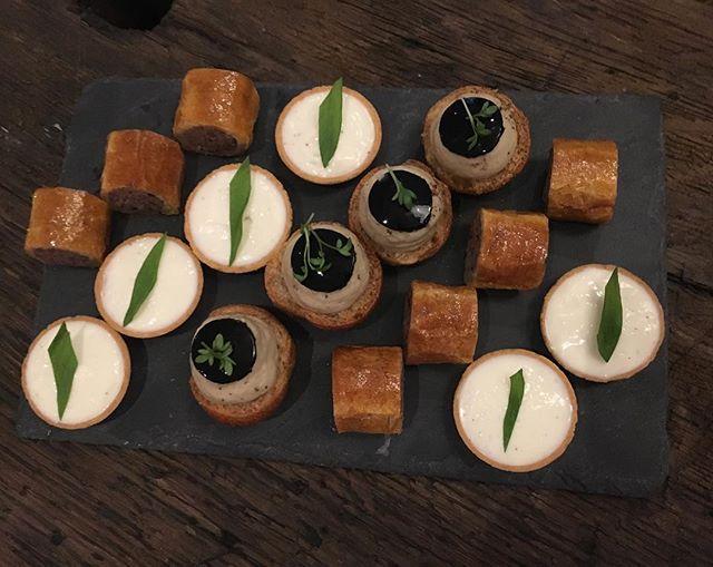 Choux aubergine grille avec sèchePaté pigeonTartelette conté----Grilled aubergine cabbage with octopusPigeon pâtéConté tartletAFTER WORK ACCENTS Table bourse X Producteur Jérôme MALETJEUDI 24 MAI 2018#gastronomy #gourmet #restaurant #accentstablebourse #afterwork #paris #vin #sardamalet #wine #foodlover #discover #winelover @romainmahi #ayumisugiyama #foodie
