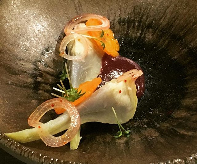 Amuse bouche artichaut choux rouge----Amuse bouche artichoke, Red cabbage #restaurant #gastronomy #gourmet #amusebouche #artichoke #foodlover #foodie #paris #restaurant @romainmahi #chef #cabbage