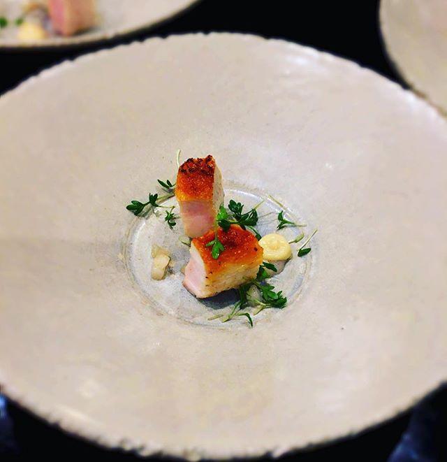 Amuse-bouche pour débuter en douceur le déjeuner----Amuse-bouche to start well the lunch@romainmahi #accentstablebourse #ayumisugiyama #gourmet #gastronomia #paris #restaurant #foodlover #amusebouche #start #foodstyling #gastronomy #chef