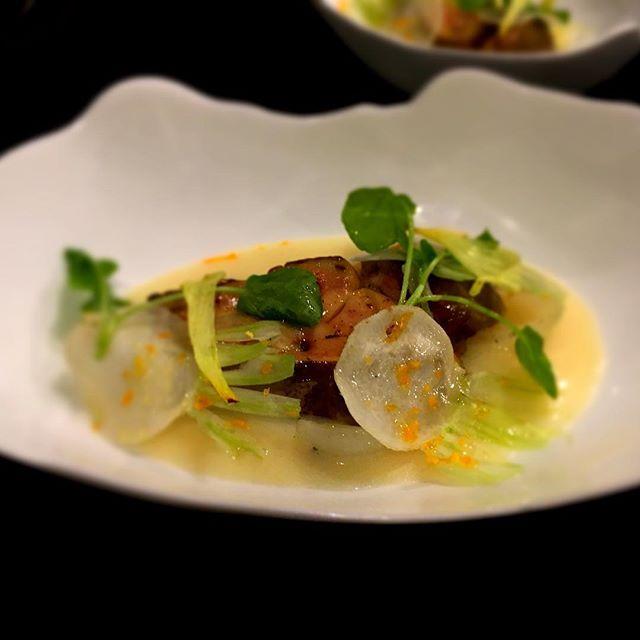 Foie gras au foin avec navet de Yasai----Foie gras with hay, turnip of Yasai#foiegras #gourmet #gastronomy #restaurant #foodie #foodlover #paris @romainmahi #ayumisugiyama #gastronomia #foodpics #accentstablebourse